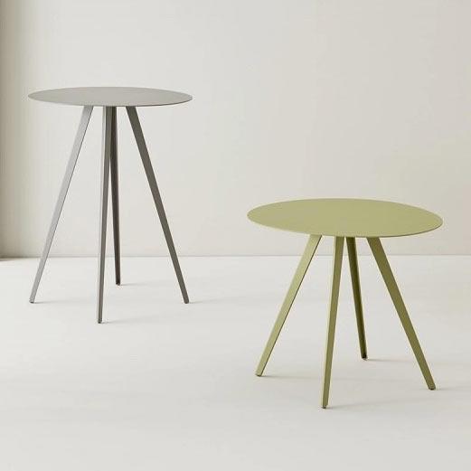 Tables by Segis